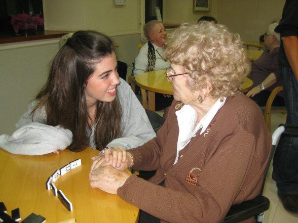 Consejos de comunicación con personas que padecen alzhéimer o demencia